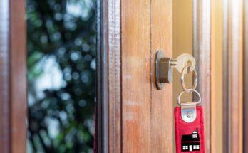 Wybór tanich drzwi z ościeżnicą