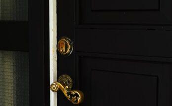 Regulacja drzwi stalowych