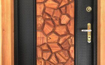 Piękne drewniane drzwi